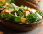 Pear, Cheddar and Pecan Salad