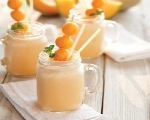 Cantaloupe and Banana Smoothie