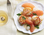 Scallops with Grapefruit and Onion Salad