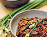 Shanghai Fried Noodles with Spicy Beef