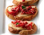 Tuscany Red Pepper Crostinis