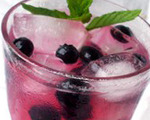 Vodka with Fresh Mint, Blueberries and Lemon