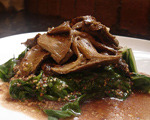 Wilted Spinach with Mushrooms