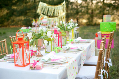 7 Beautiful, totally recreate-able, Summer Tablescapes | #tablescape #summer #exteriordecor