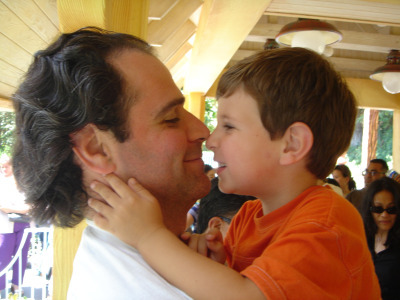 Julien (3 years old) with Dad