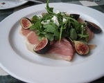 Fresh Figs, Goat Cheese, Arugula and Prosciutto Salad with Honey Vinaigrette