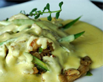 Fresh Asparagus with Creamy Mushrooms