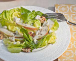 Lettuce Salad with Pears and Blue Cheese Dressing