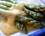Steamed Asparagus with Hollandaise Sauce