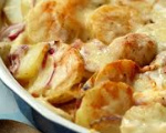 Cheddar Scalloped Potatoes and Ham