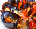 Steamed Mussels in Curry Marinara Sauce