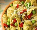 Sun Dried Tomato, Pea and Pesto Pasta